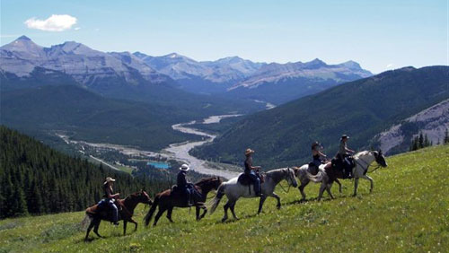Horse riding vacations in Alberta
