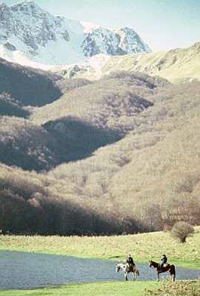 Italy-Abruzzo/Molise-Colle dell'Orso - through the Valley of the Bear