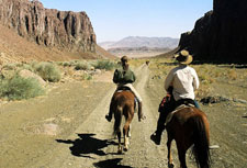 Namibia-Namibia-Great Namibian Canyon Trail